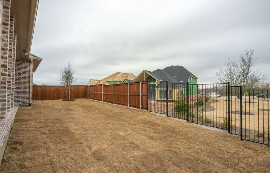 American-Legend-Homes-The-Grove-Frisco-Plan-631-Backyard-4.jpg