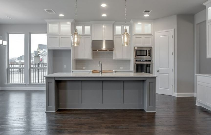 American-Legend-Homes-The-Grove-Frisco-Plan-631-Kitchen-5.jpg
